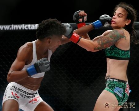 Livia Renata Souza vs Angela Hill