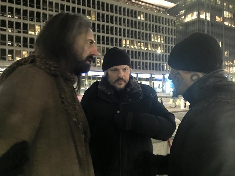 Omar Pedrini Alberto Lato e il regista Fabio Bastianello sul set di Milano in the Cage