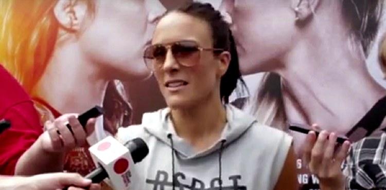 Valerie-Letourneau-UFC-193-scrum