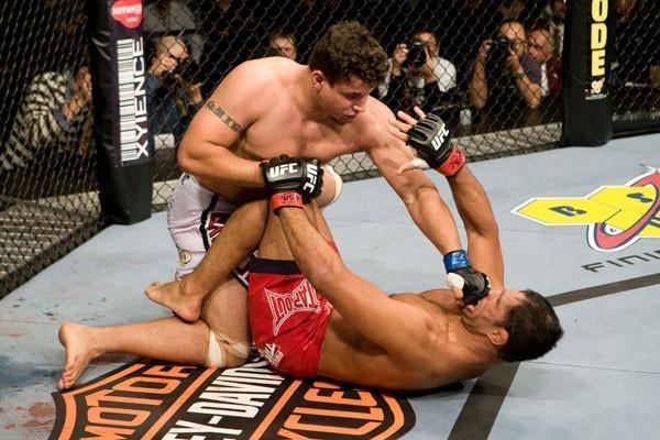 UFC-92-Frank-Mir-vs-Minotauro-Nogueira1.jpg