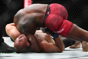 ovince-saint-preux-yushin-okami-ufc-fight-night-117.jpg
